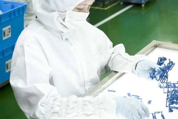 medical-device-contract-manufacturing-5